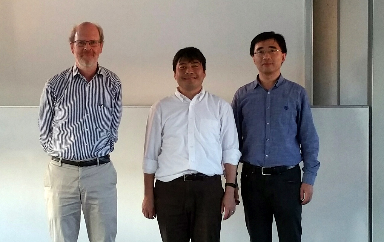 On the left Prof. Dr.-Ing. Schlichtmann, in the middle Prof. Hashimoto.